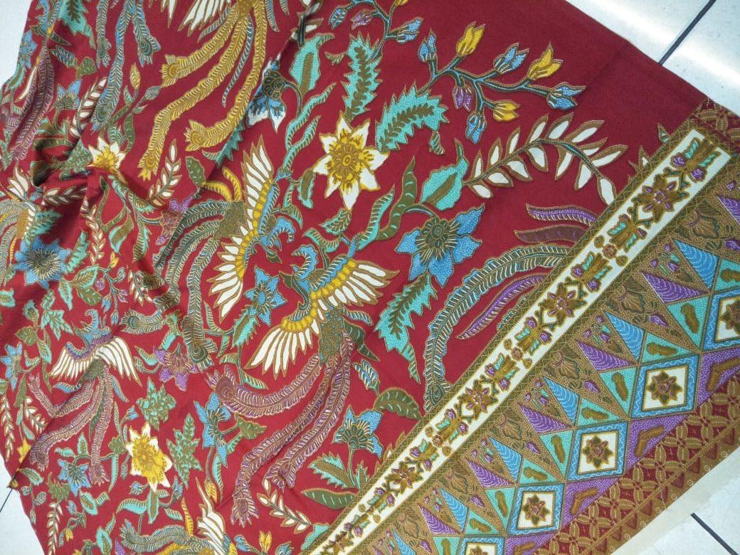 Kain yang dapat digunakan untuk membuat seragam batik