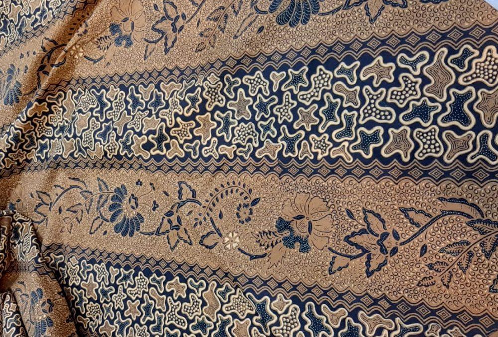 Grosir Kain Batik Probolinggo Harga Murah dengan kualitas Terjamin hanya bisa anda temukan di kainbatikbagus. saat ini batik khas Kabupaten Probolinggo sudah terdaftar